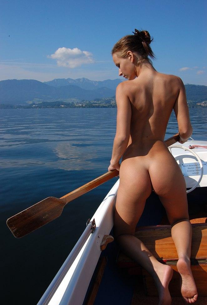 фото фото голые девушки на катерах порно